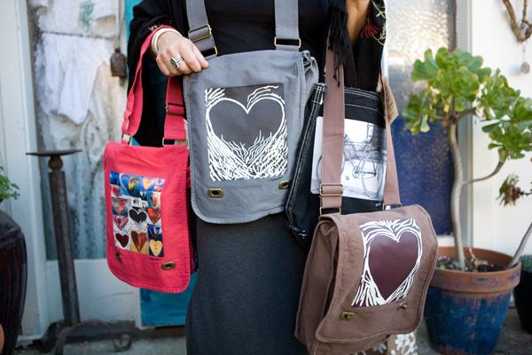600-pxlsme-bags-wide-keana.jpg